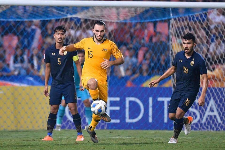 """""""ออสซี่""""แซงชนะ! """"ออสเตรเลีย"""" แซงชนะ """"ทีมชาติไทย"""" 2-1 ศึกชิงแชมป์เอเชีย 2020 U23 ข่าวดารา อัพเดทข่าวกีฬา"""