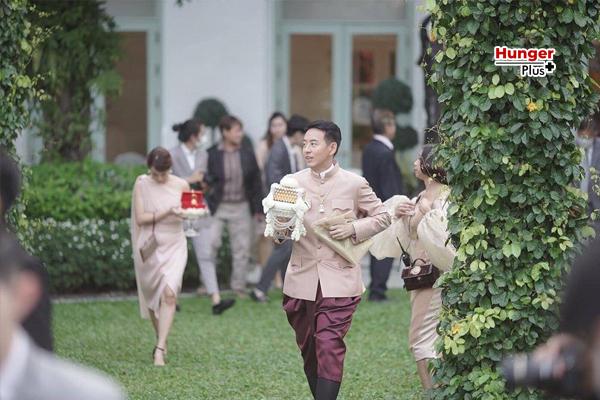 งานเข้า!! อาร์ม-น้ำฝน เผยเด็กเสิร์ฟในงานแต่งติดเชื้อโควิด-19 ข่าวออนไลน์ ข่าวบันเทิงดารา อัพเดทข่าวกีฬา