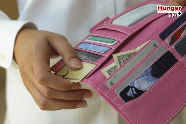 อัพเดตเทรนด์ เลือกกระเป๋าตังค์อย่างไรให้ปัง สีมงคล สายมู สายแฟชั่น การมิกซ์แอนแมทช์เทรนด์ที่ปีนี้มาแรงที่สุด ข่าวออนไลน์ กระเป๋าตังค์ สีมงคล