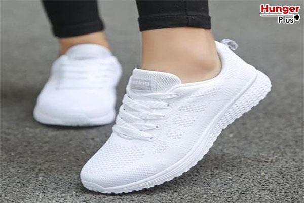 เคล็ดลับการแต่งตัว รองเท้าที่สาว ๆ ควรจะต้องมี เพื่อการมิกซ์แอนด์แมทที่คอมพลีทได้ทุกลุค ! ข่าวออนไลน์ เคล็ดลับการแต่งตัว รองเท้า