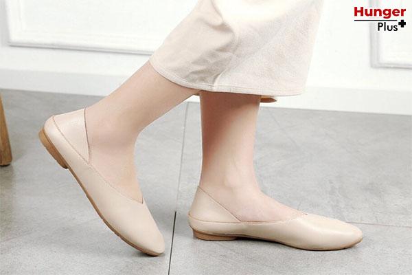 เคล็ดลับการแต่งตัว รองเท้าที่สาว ๆ ควรจะต้องมี เพื่อการมิกซ์แอนด์แมทที่คอมพลีทได้ทุกลุค !