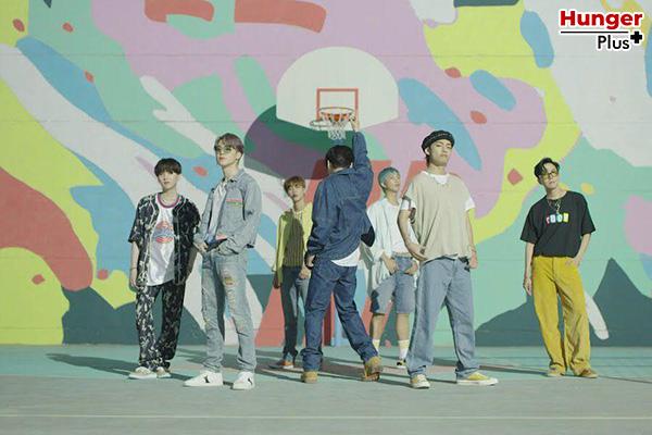 """Dynamite"" ของ BTS ขึ้นชาร์ตทั่วโลก Billboard's Global 200 Chart และติดอันดับ 10 วงดนตรีป๊อปที่ดีที่สุดตลอดกาลของ Esquire ข่าวดารา ข่าวบันเทิง ข่าวออนไลน์ ข่าวฟุตบอล Dynamite BTS"