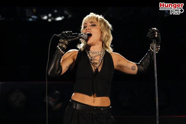 Miley Cyrus บอกว่าเธออยากทำงานกับ Billie Eilish ถ้ามีโอกาส ข่าวดารา ข่าวบันเทิง ข่าวออนไลน์ ข่าวฟุตบอล MileyCyrus BillieEilish