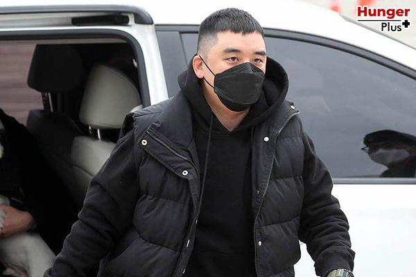 ศาลตัดสินว่า 'ซึงรี' อดีตสมาชิกวง 'บิ๊กแบง' มีความผิด 9 ข้อหาและจะได้รับโทษจำคุกเป็นเวลา 3 ปี ข่าวดารา ข่าวบันเทิง ข่าวออนไลน์ ข่าวฟุตบอล ซึงรีBigbang ซึงรีได้รับโทษจำคุก