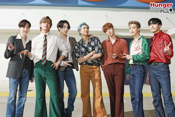 "BTS กลายเป็นวงแรกที่แทนที่การเดบิวต์อันดับ 1 บน Hot 100 เพลง ""Permission To Dance"""