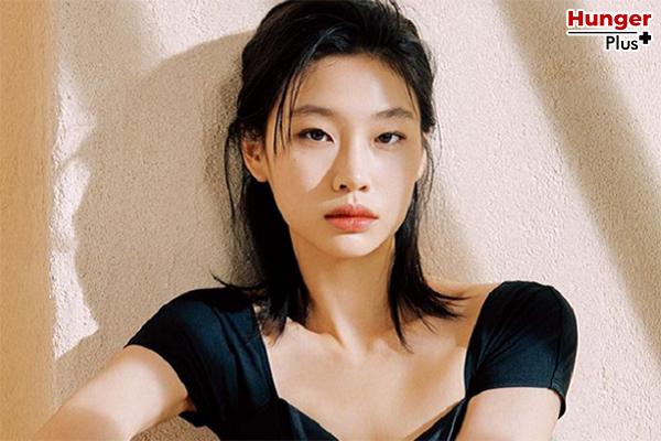 Jung Ho Yeon สาวสวยหน้าเก๋ใน ซีรีส์ดัง Squid Game เธอคือใครกัน ?